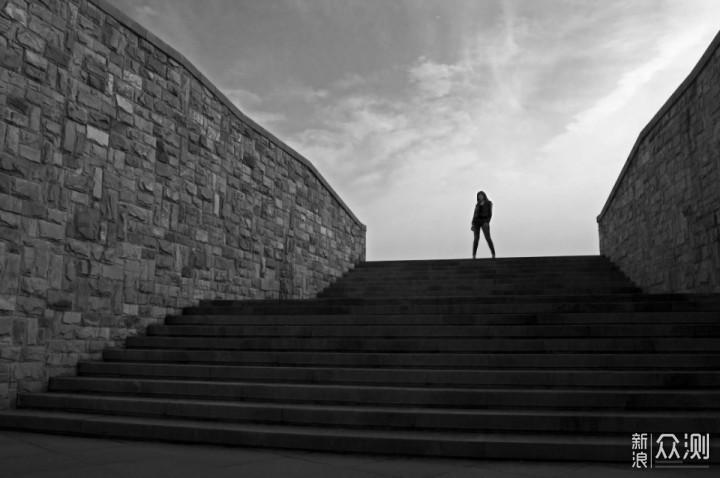 #2020旅行摄影#7个技巧,拍出好看的极简人像_新浪众测