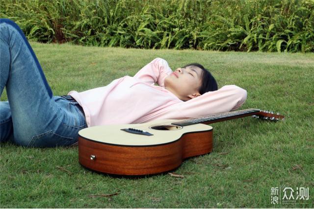 宅家太闷?这把智能吉他或能伴你度过闲暇时光_新浪众测