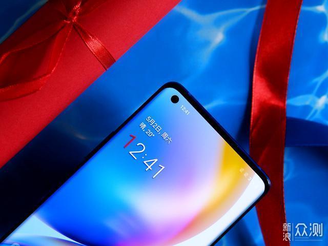 一加 8 Pro:不只是屏幕机皇的旗舰安卓手机_新浪众测