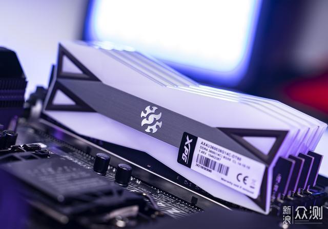 顶级体验!XPG龙耀D60G 3600MHz C14超频简测_新浪众测