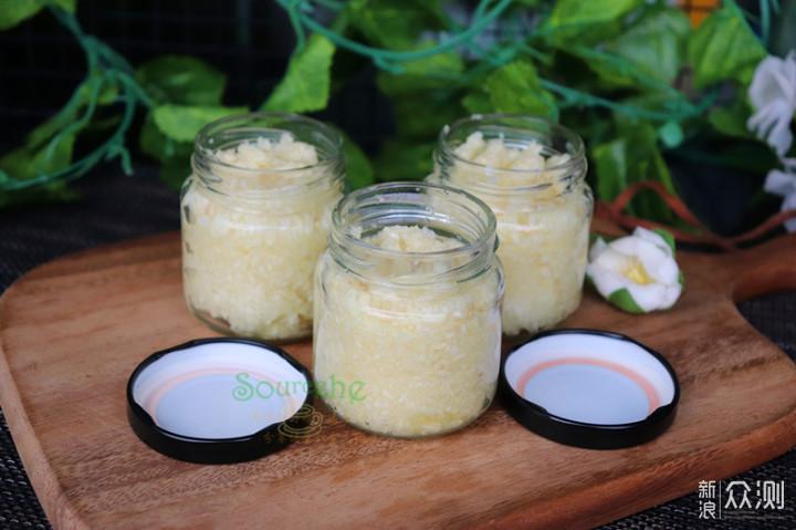 大蒜便宜时买十几斤,做成蒜蓉酱放到冬天吃_新浪众测
