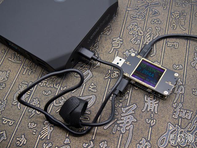 全包我的所有充电需求!评测Omni 20+移动电源_新浪众测