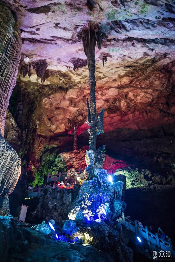 贯穿十二座山峰的银子岩被誉为世界溶洞奇观!_新浪众测