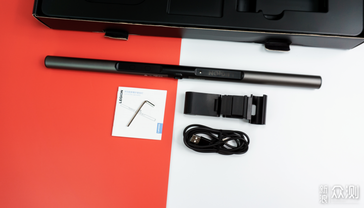 小米显示器挂灯VS联想和明基ScreenBar Plus_新浪众测