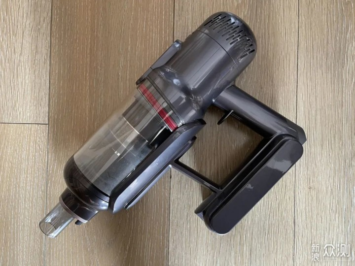 智能除尘、磁吸尘杯——与众不同的无线吸尘器_新浪众测