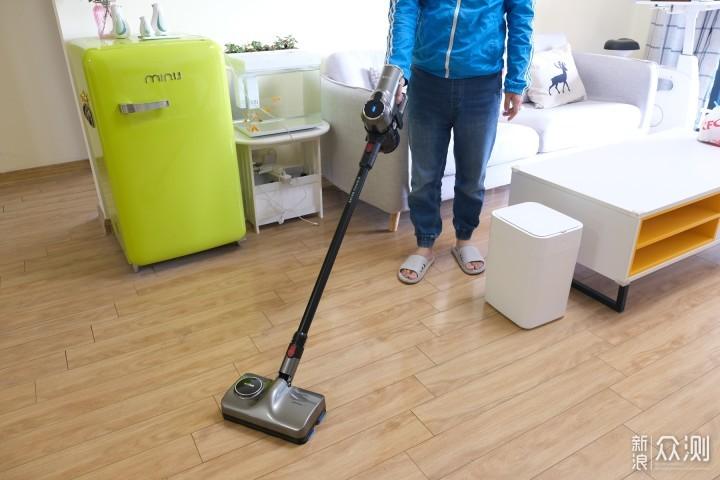 边吸边拖,地板清洁更彻底,洒拖F6吸拖一体机_新浪众测