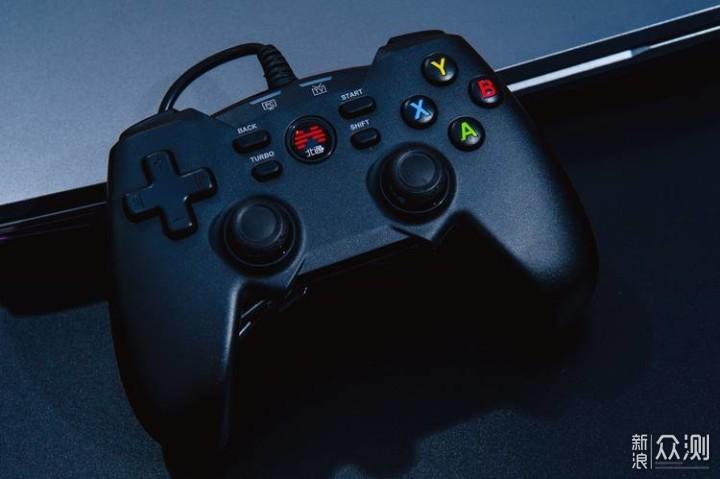 非同凡响的游戏操控体验:北通蝙蝠4游戏手柄_新浪众测