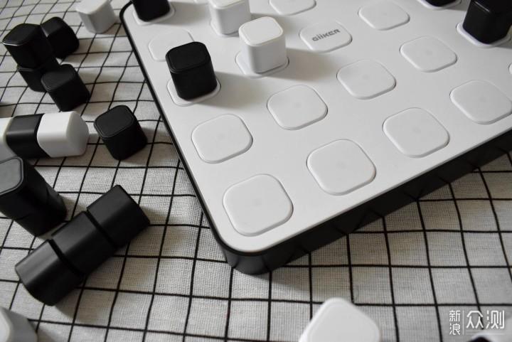 计客空间四子棋,多种玩法更益智_新浪众测