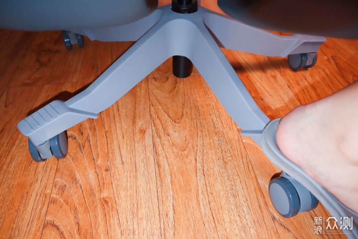近2000块高端电脑椅能给你如何的体验_新浪众测