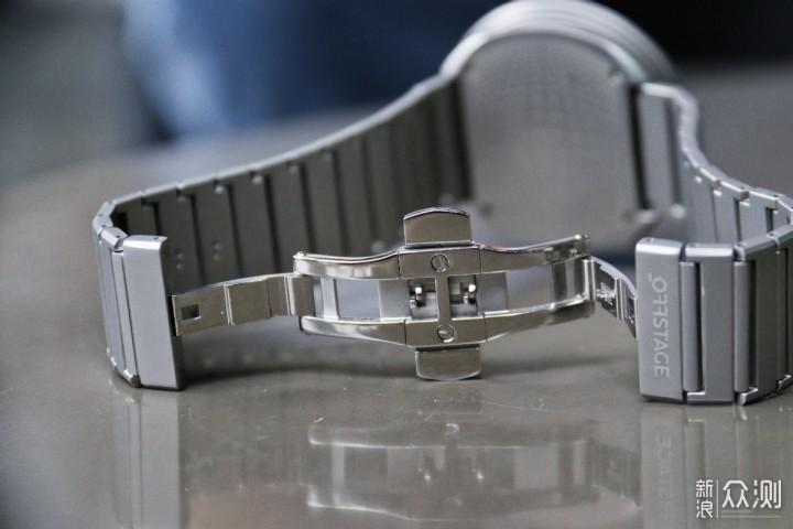 回头率爆棚:拥有科技感的太阳镜石英手表_新浪众测