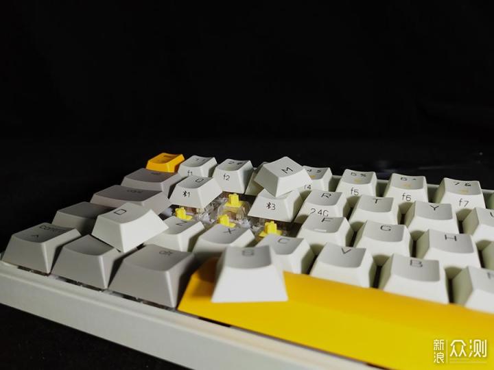 随心切换就是爽-米物ART三模机械键盘测评_新浪众测