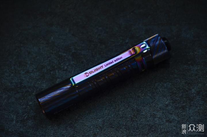 我的第一件钛马士革:傲雷i5T钛马限量版手电_新浪众测