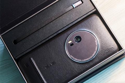 一部能打电话的相机 华硕鹰眼拍照手机