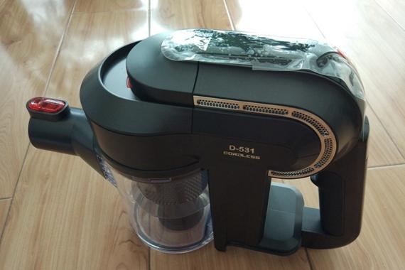 一键清洁家庭卫生死角——小狗D-531无线吸尘器