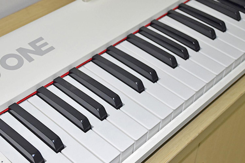 钢琴家郎朗教你弹琴,一台拥有智能的电子琴!