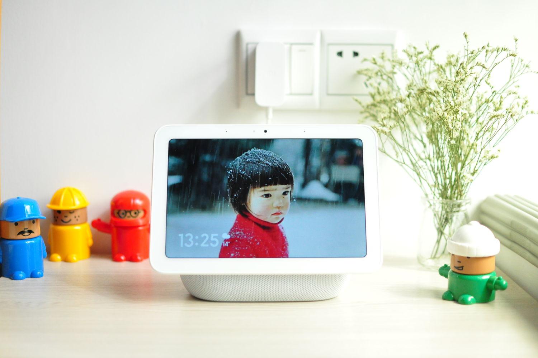 成熟且全新的交互方式-——小爱触屏音箱Pro 8