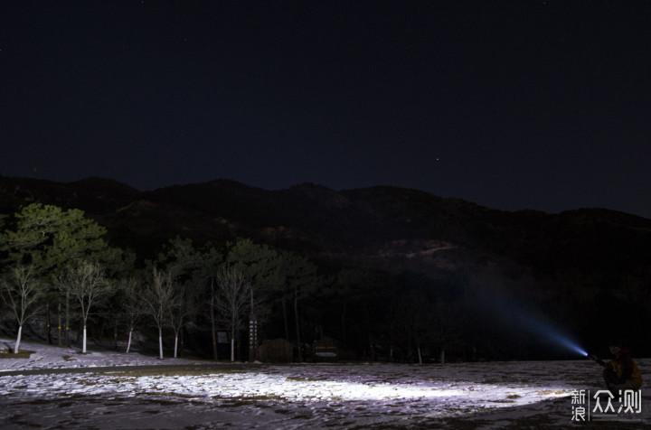 光通量一万五,黑夜踪影全无:骇客HK04手电_新浪众测