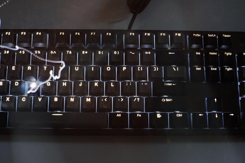 晒个键盘 杜伽 K310深空灰白光限定版机械键盘