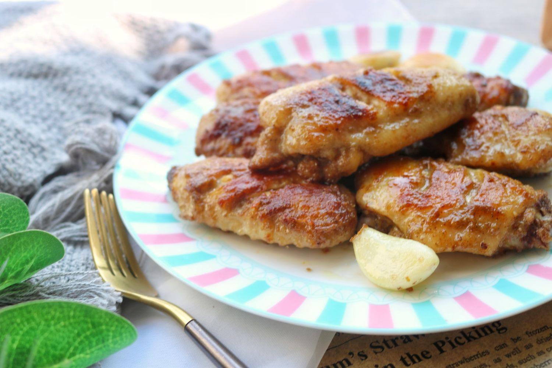 无油无水的鸡翅做法,皮焦肉嫩,太香了