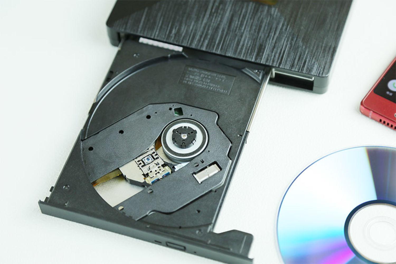 虽已小众但仍实用的外置光驱刻录机