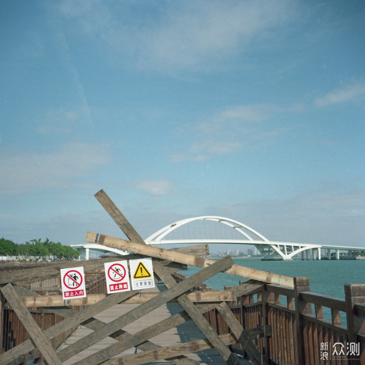 假装是一台6×6,蔡司依康TAXONA3.5/35_新浪众测