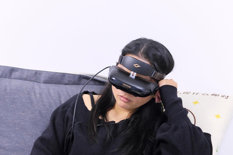 躺着也能看3D:GOOVIS 头戴影院体验分享