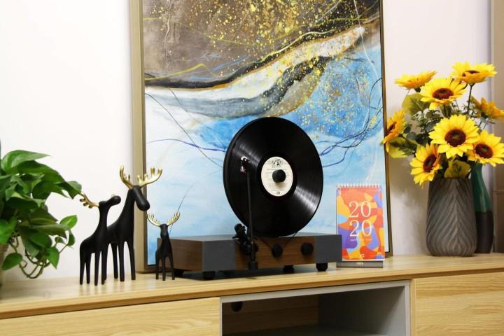 Floating Record立式黑胶唱机感受怀旧的经典