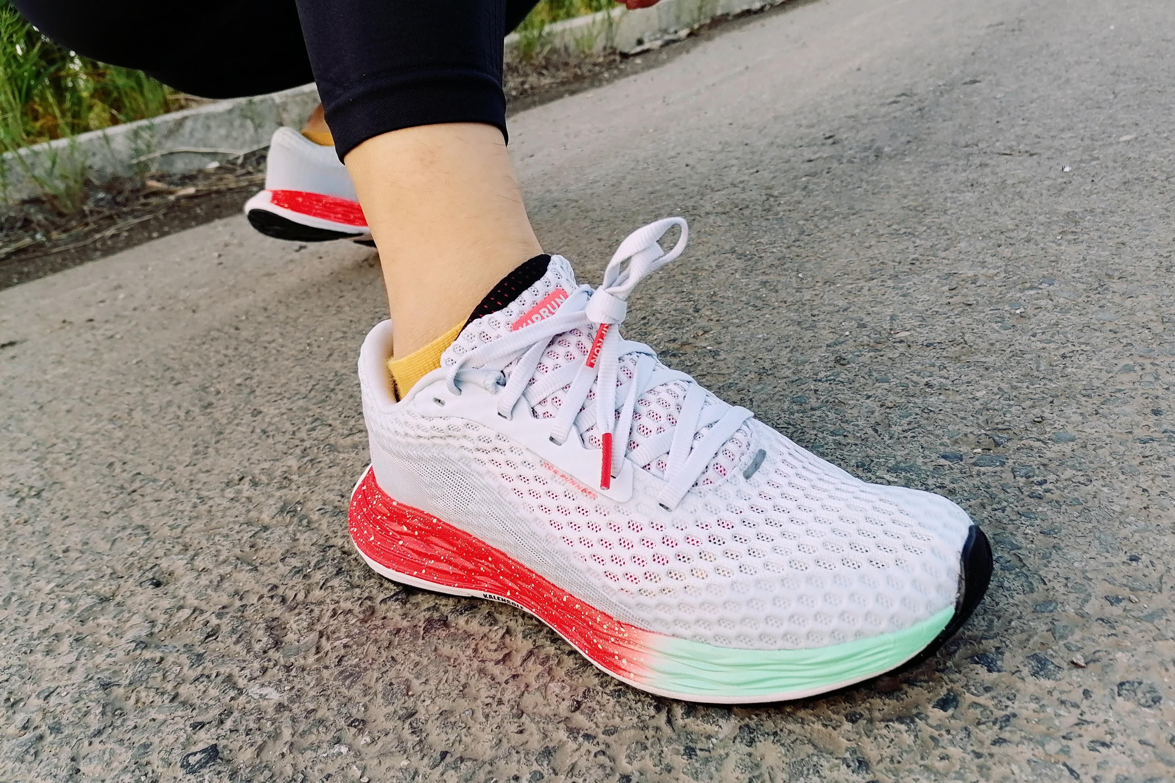 迪卡侬KD PLUS跑鞋:高颜值+高性价