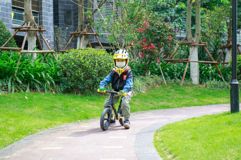 柒小佰儿童平衡车A1体验