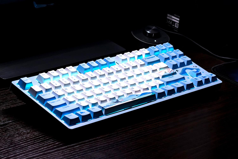 达尔优归燕机械键盘:为桌面增添一抹春天色气