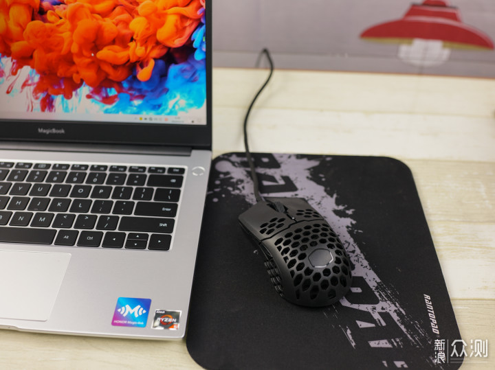 轻质游戏鼠标体验分享--酷冷至尊MM710_新浪众测