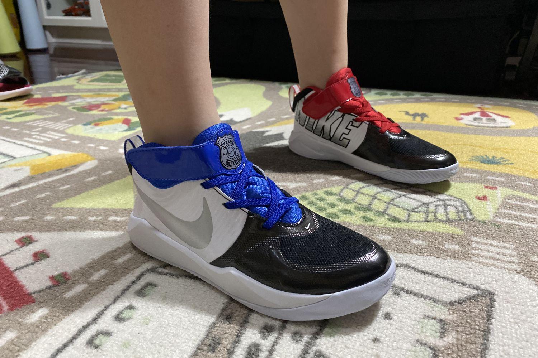 #我的运动指南#鸳鸯配色Nike Team Hustle D9