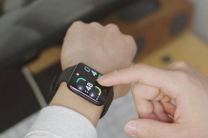 #创作新星#噱头或实用?曲面屏手表OPPOWatch