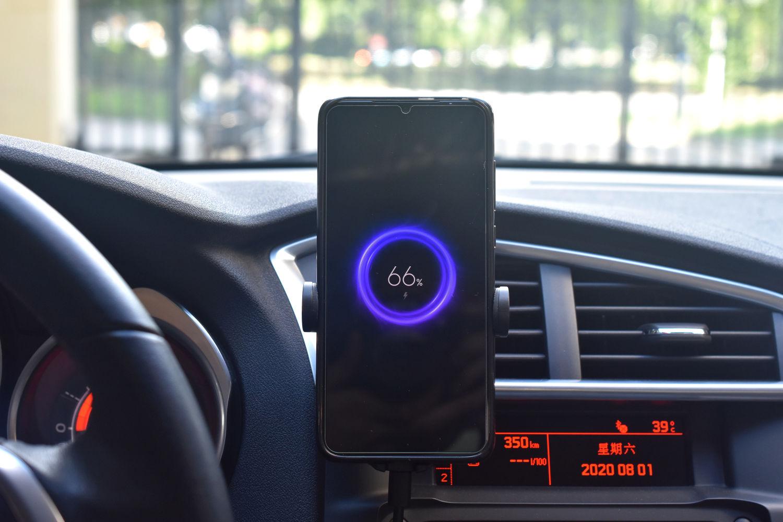 紫米新品无线车充:10W功率,小米苹果都能用