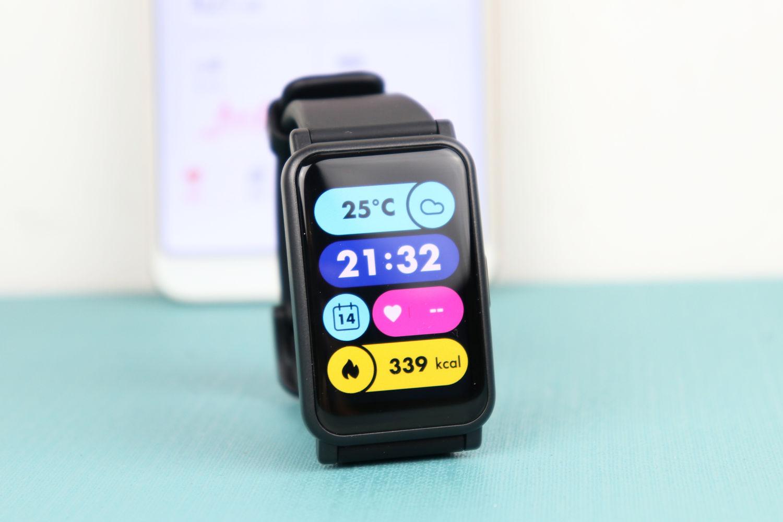 荣耀手表ES抢先看,生理周期和腕上私教成亮点