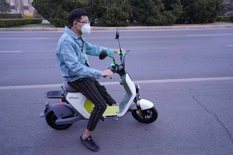 #初秋#骑着九号电动车C40,做个追风少年