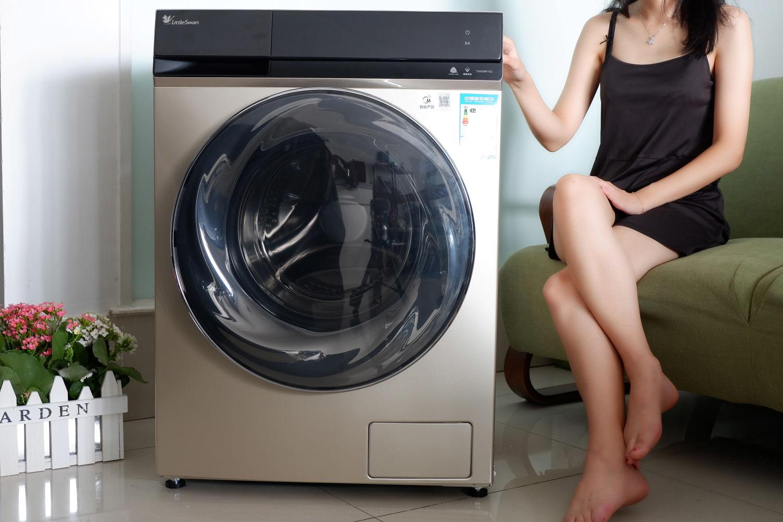 亿万气泡超强去污,小天鹅洗烘一体洗衣机体验