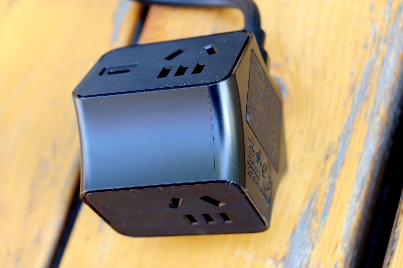 """插线板的""""新""""革命:飞利浦65W氮化镓快充插座"""