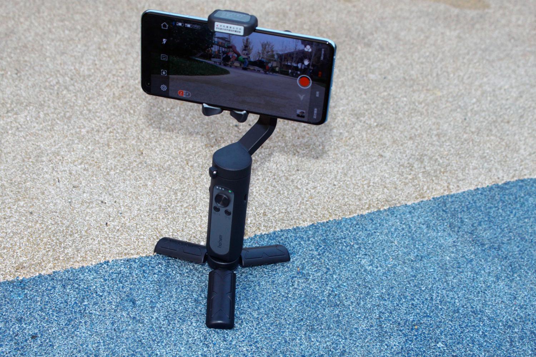 浩瀚iSteadyX手机稳定器:Vlog手机拍摄帮手