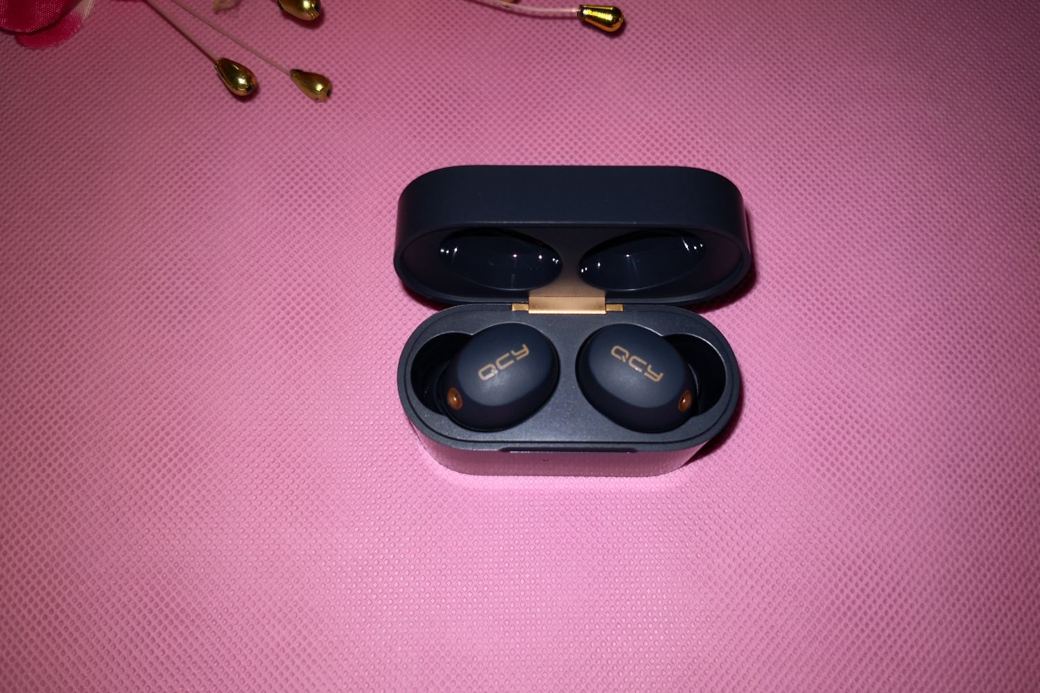 声音无噪,才是音乐该有的样子:QCY HT01耳机