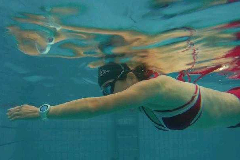 游泳时有哪些可用的智能装备