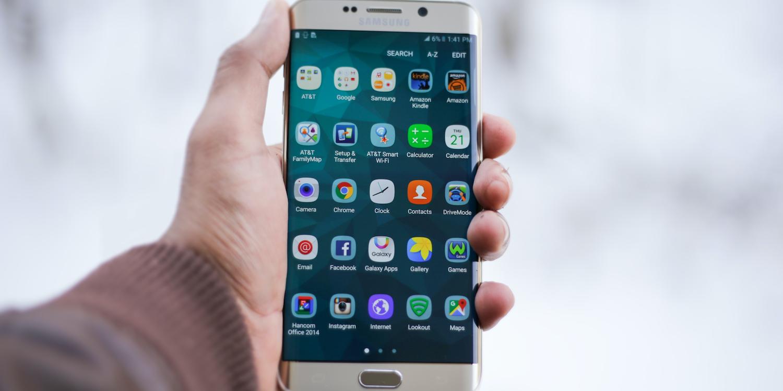 你拥有的第一款手机是什么品牌?
