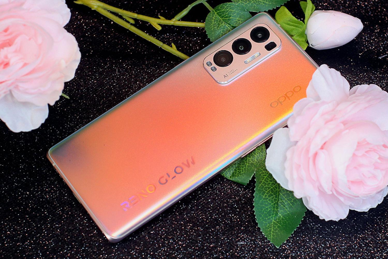 轻薄至上双曲面屏设计,OPPO Reno5 Pro+手机