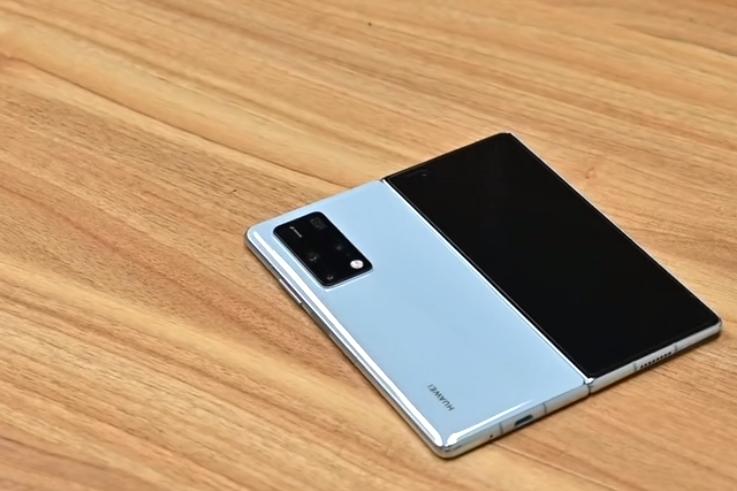 华为Mate X2~这可能是目前最能打的折叠屏手机