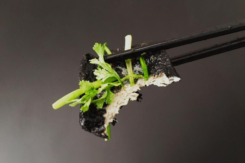 闻着臭吃着香:长沙罗记臭豆腐生胚家庭装