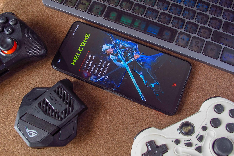 可以打电话的游戏机!解锁腾讯ROG游戏手机5