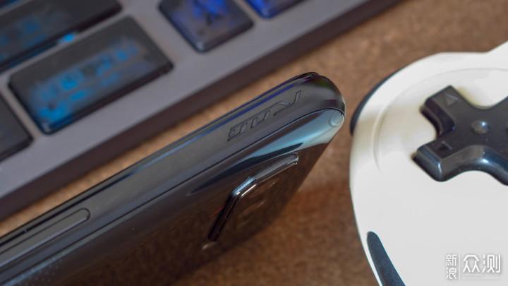 可以打电话的游戏机!解锁腾讯ROG游戏手机5_新浪众测
