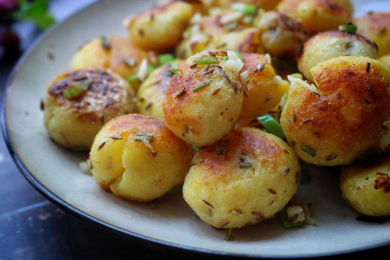 爱吃土豆试试新做法,每次做一斤不够吃