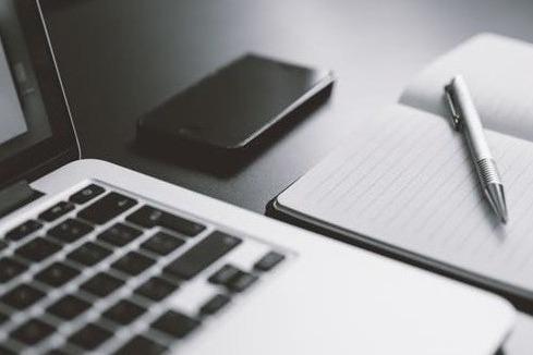 早读|iPhone和iPad定制版/Redmi Note 10海外价