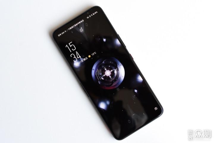 ROG 5 游戏手机测评:传说中的八指物理外挂?_新浪众测